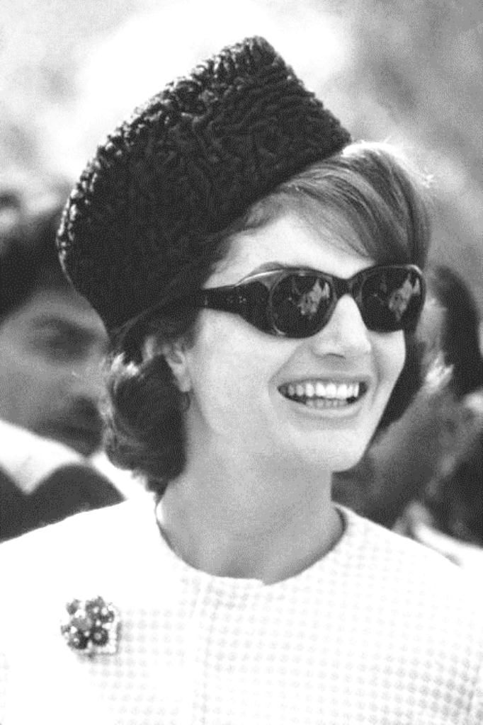 Jackie Kennedy Pillbox Hat: First Lady Mrs ~~Jacqueline Lee (Bouvier) Kennedy Onassis