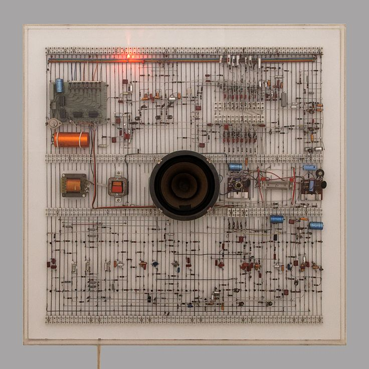 """Few people could make circuits into art quite like Walter Giers. He made them into visual objects, into aesthetic and design statements, into loud and even """"annoying"""" performative constructions, into instruments. They aren't simply utilitarian means to an end, but imaginative medium."""