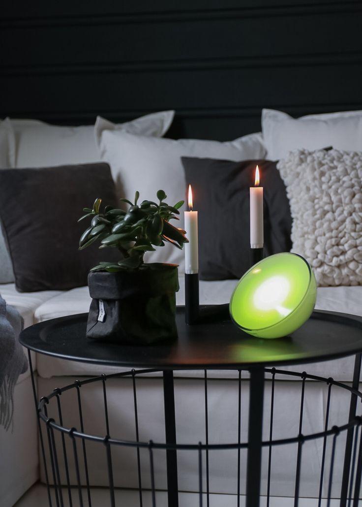 IG: @hvitelinjer. Blog: www.hvitelinjer.no     Philips Hue Go - hvitelinjer    #interior #inspiration #scandinavian #modern #design #decoration #philips #philipshuego #huego #lightning #light