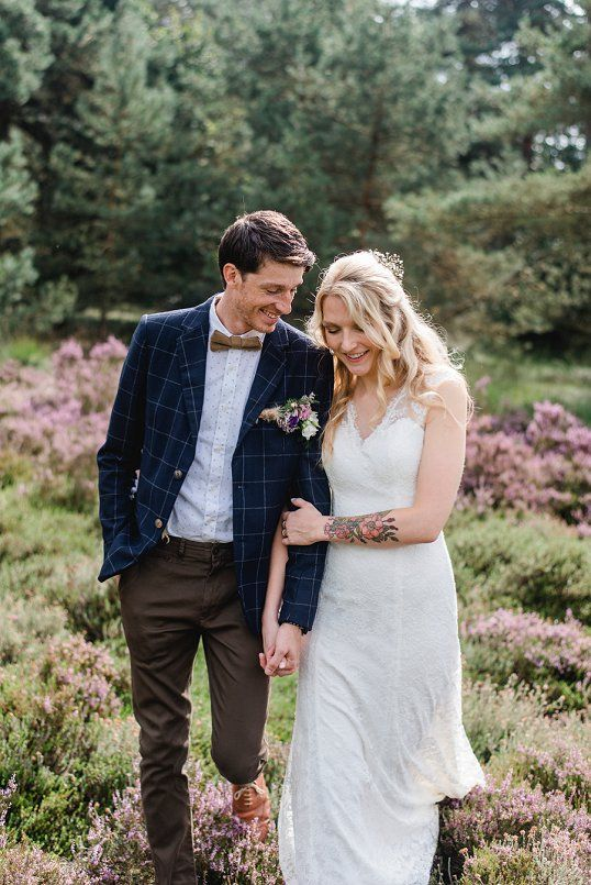 Keep me close and hold me tight - Wedding in the forest with a touch of bohemian.