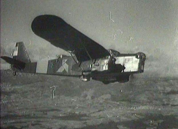"""En mars 1937, l' Escadrille """" Espana"""" d'André Malraux a été intégrée dans l' ensemble de l' Aviation Républicaine.  Elle compte alors une soixantaine de Français et une centaine de pilotes et de """"rampants"""" d'autres Nationalités."""