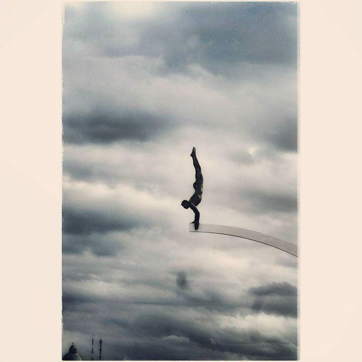 Le plongeur de Mady Andrieu. Tourist in my city  #sculpture #cloudy #sky #ambiance #port #meuse #madyandrien #liege  #气筒