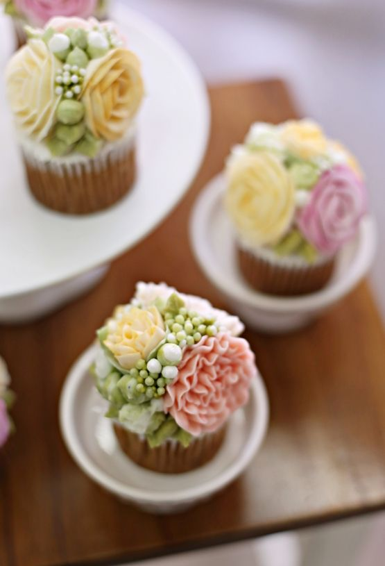 carnations cupcakes made by Alice