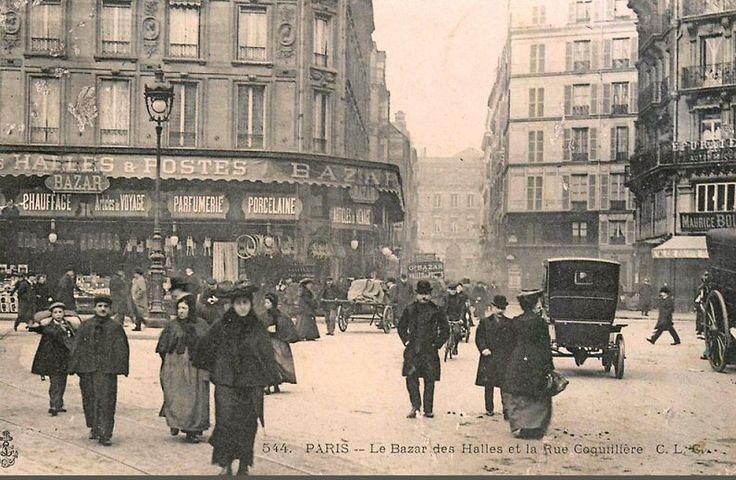 rue Coquillière - Paris 1er - Le Bazar des Halles et la rue Coquillière, vers 1900.