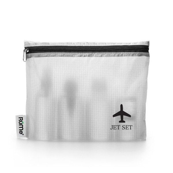The Reveal Quart Travel Set has everything you need to pass through airport security with ease. Prep your carry-on luggage by pouring liquids into one of five clear, leak-proof bottles. Then, keep them all together with the TSA-compliant Reveal Quart. Machine washable and tear-resistant, the Reveal Quart is the perfect reusable pouch for airport.