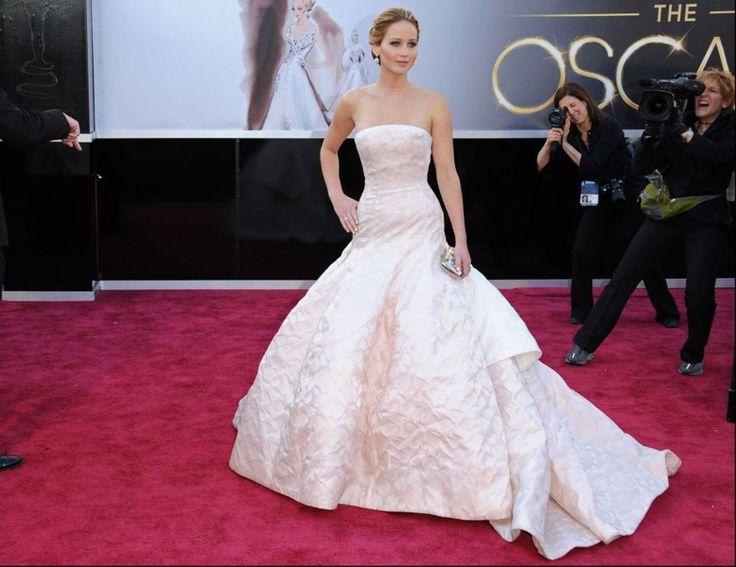 Over deze Oscarjurken werd het meest gepraat - Het Nieuwsblad: http://www.nieuwsblad.be/cnt/dmf20160226_02151285