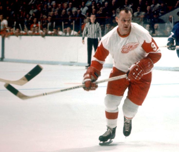 On 02/18/1971, Gordie Howe hit the 20-goal plateau for his 22nd straight season. ... When Gordie signed with DET he was assigned to the Galt Red Wings [OHA] & Omaha Knights [USHL] before joining the NHL club in Oct 1946.