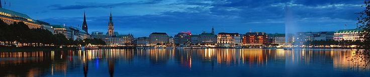 Hamburg...If the stars align just right, I might run the Hella Hamburg Half Marathon this year. ♥