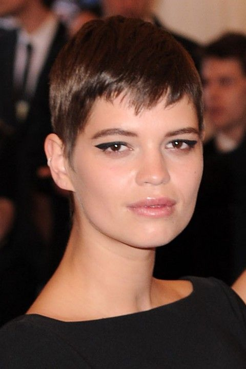 Pixie-Geldof's short hairstyles
