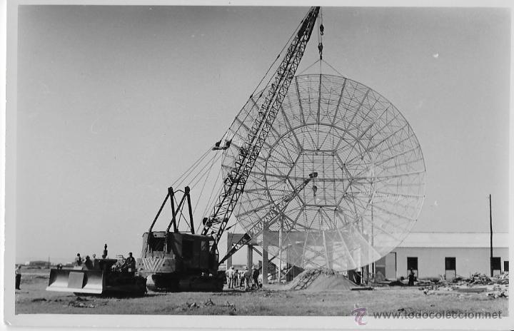 SEVILLA,1957,AEROPUERTO DE SAN PABLO, MONTAJE DE ANTENA, RARISIMA,138X88MM. - Foto 1