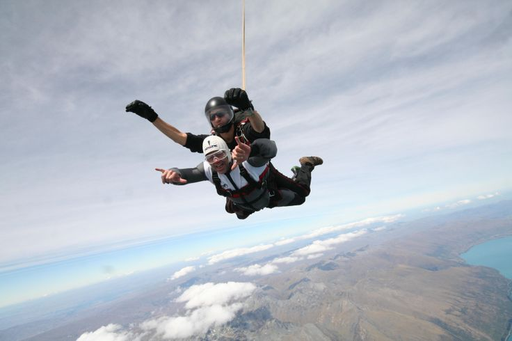Kiwi Rugby legend and TV Presenter Marc Ellis freefalls over Queenstown with NZONE Skydive