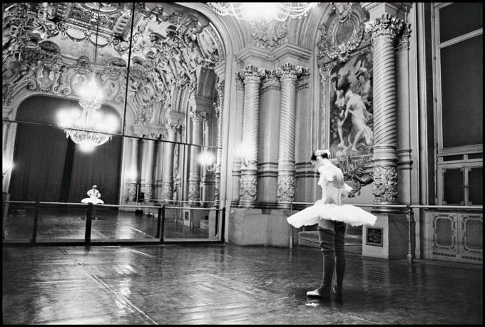 Foyer Des Arts Paris : Images about opéra de paris on pinterest posts