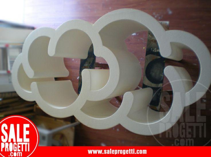 Nuvola in polistirolo tagliato e dipinto per pastificio.  Per conto di NGU Comunicazione.  www.saleprogetti.com