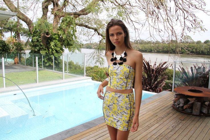 Hello Yellow Set #taneeclothing  #modellaclothing