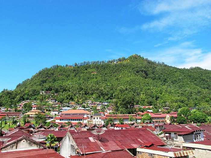 Sleepy town: A bird's eye view of small and quiet Sawahlunto. The city was on the brink of becoming a ghost town merely fifteen years ago due to depleting coal resources. (Photo by Iman Mahditama).