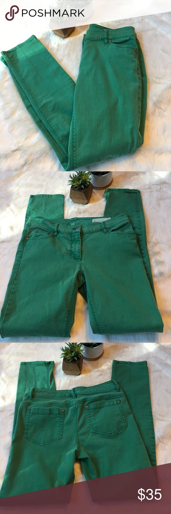 "Two by Vince Camuto green skinny jeans Soft and stretchy skinny jeans. Pre-faded green. 29"" inseam. Two by Vince Camuto Jeans Skinny"