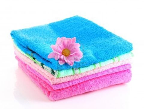 Family towels undergo heavy-duty use and they tend to get 'unusable' after some time. In fact, you might be using the best laundry detergent and fabric softener but within a month or two, your best (and most expensive) towels tend to look old and everyone starts complaining.