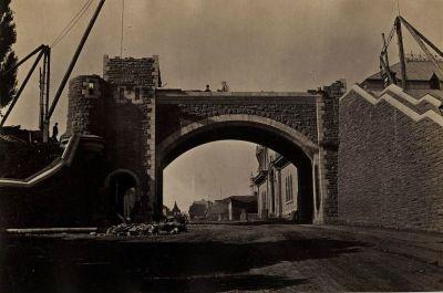 Quebec portes fortifications | Vue des travaux de construction de l'actuelle porte Saint-Louis en ...