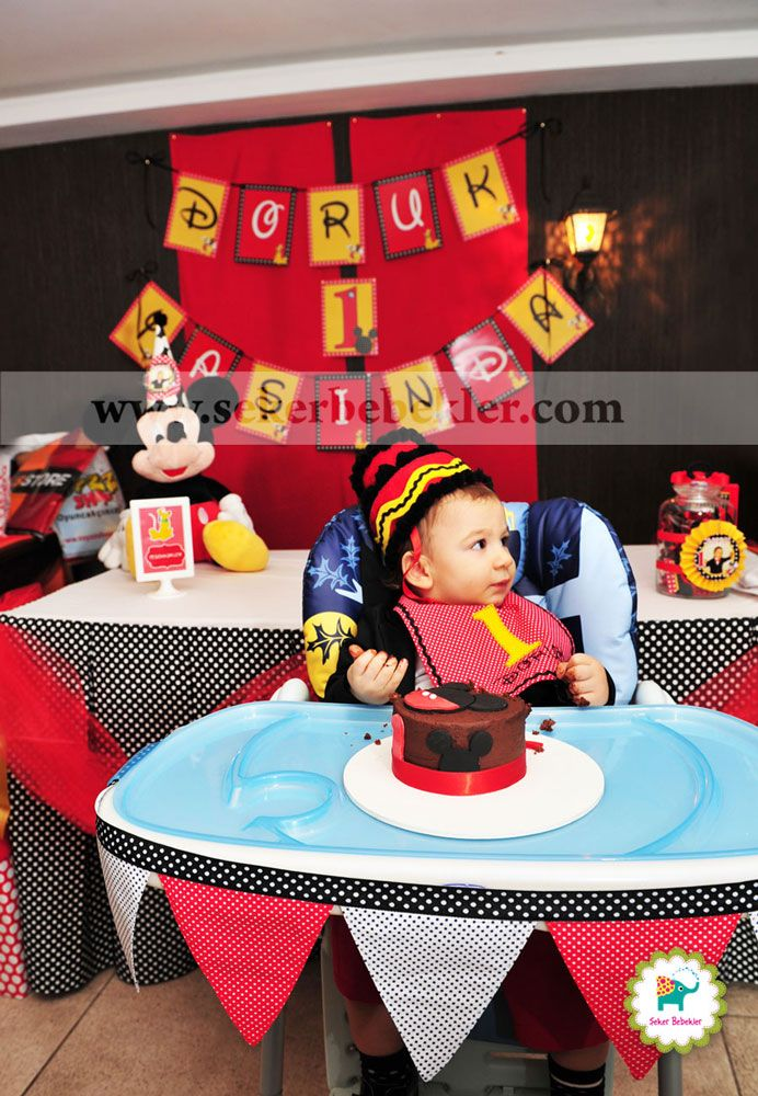 Mickey Mouse temalı doğum günü Şapkası , Önlüğü, mama sandalye süslemesi