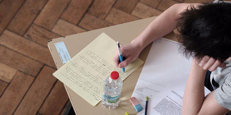 Avis aux élèves de terminale : c'est la dernière étape pour la procédure APB (Admission Post-Bac) qui permet de s'inscrire dans l'enseignement supérieur.