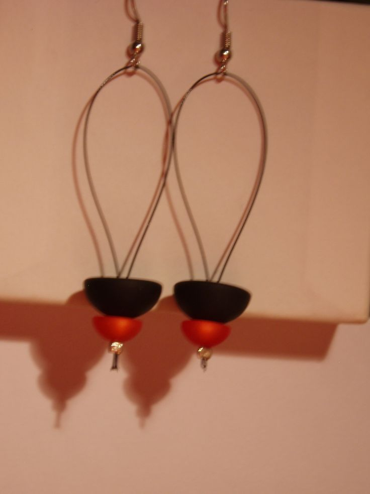 earings black and orange