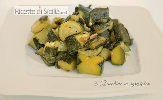 Le zucchine in agrodolce, fanno parte della grande famglia dei cibi di derivazione saracena.