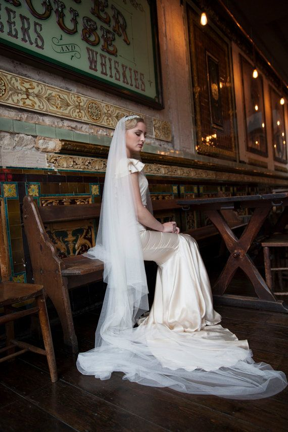 Cathedral drop veil and wedding headpiece Vintage by AgnesHart
