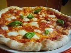 Pizza come in pizzeria, ma con il forno di casa!! #pizza