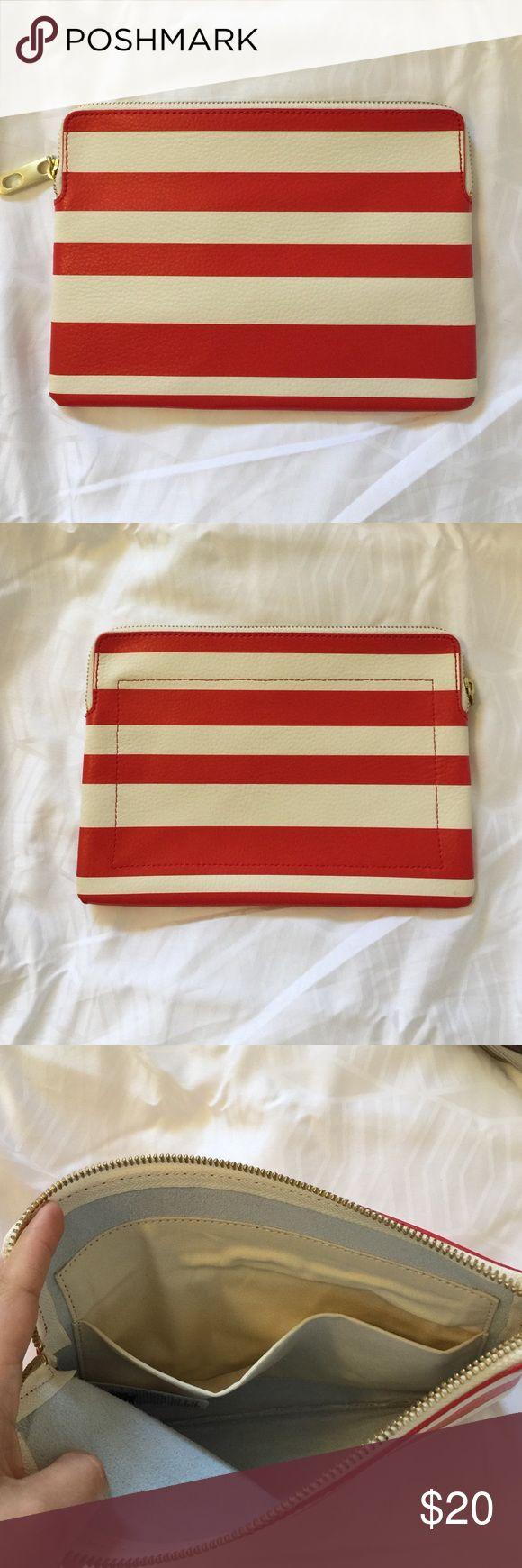 Leather gap bag Beautiful makeup bag or wallet GAP Bags Wallets