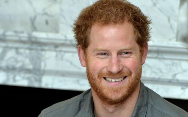 Bernyanyi di Istana Kensington, Pangeran Harry Jadi 'Personel Baru' Coldplay - http://www.rancahpost.co.id/20160657501/bernyanyi-di-istana-kensington-pangeran-harry-jadi-personel-baru-coldplay/