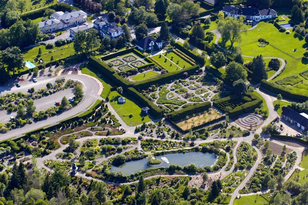 Kingsbrae Garden: A 27-acre horticultural garden, also featuring a Garden Cafe, Savour in the Garden Restaurant, Art Gallery and Plant Centre