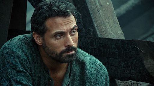 Rufus Sewell as Tom Builder...sigh.