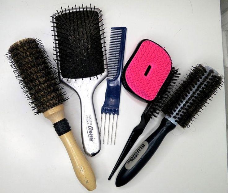 Ogni donna dovrebbe avere almeno 3 tipi di spazzola per capelli: da doccia, da styling e everyday. Qui trovate tutte le info!
