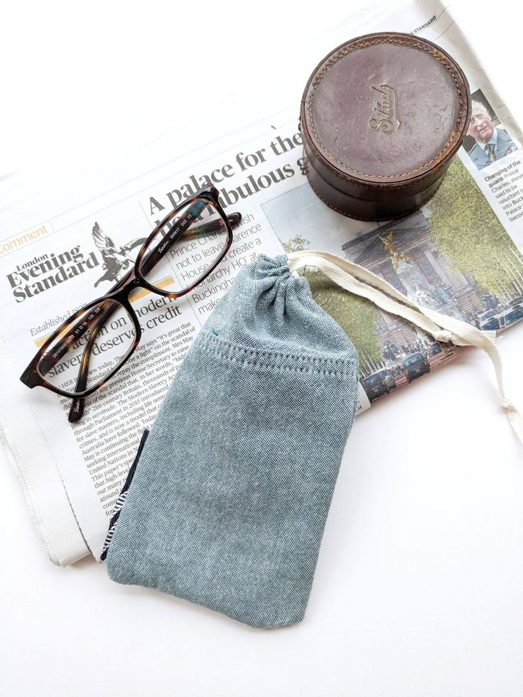 Pale Green Glasses Case, Draw string Glasses Case, Soft Case, Recycled Fabric, Silk Tie Trim, Gift Ideas, Stocking Filler ∞