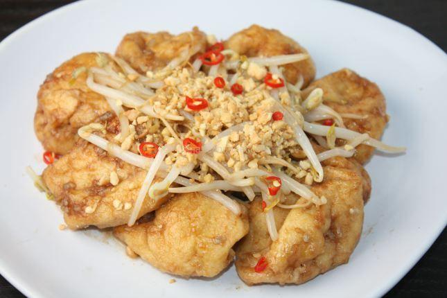 Fried Tofu with Tamarind Sauce