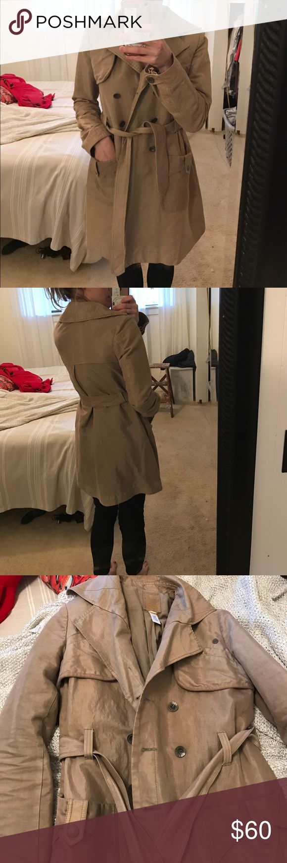 DIESEL KHAKI TRENCHCOAT Perfect condition. Super warm + water resistant. It has an extra lining inside that makes it warm but not too warm. Light sheen to the material and changes in various lighting. Tan in color. Diesel Jackets & Coats Trench Coats