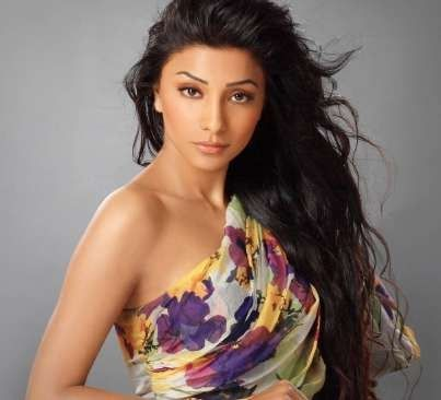 Deepal Shaw Wiki, Age, Biography, Height, Weight, Family, Husband, Profile. Deepal Shaw Date of Birth, Bra size, Net worth, Body Measurements, Marriage, Family Photos
