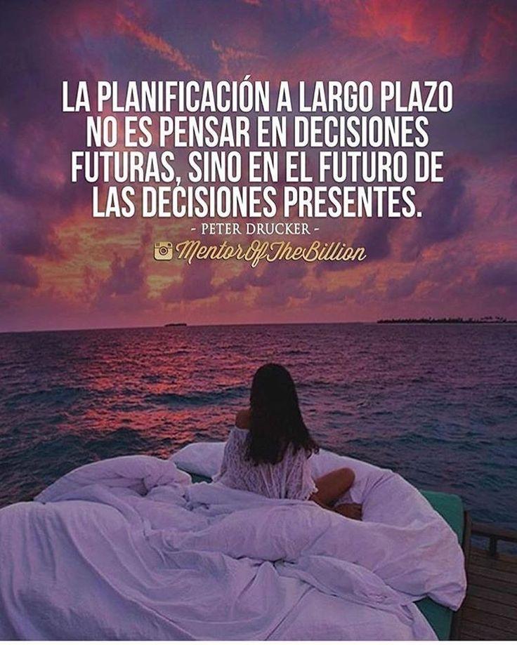 Por eso la mejor forma de predecir el futuro es creándolo empieza hoy a crear ese futuro @mentorofthebillion frase de Peter Drucker #frases #motivación #inspiración #éxitos