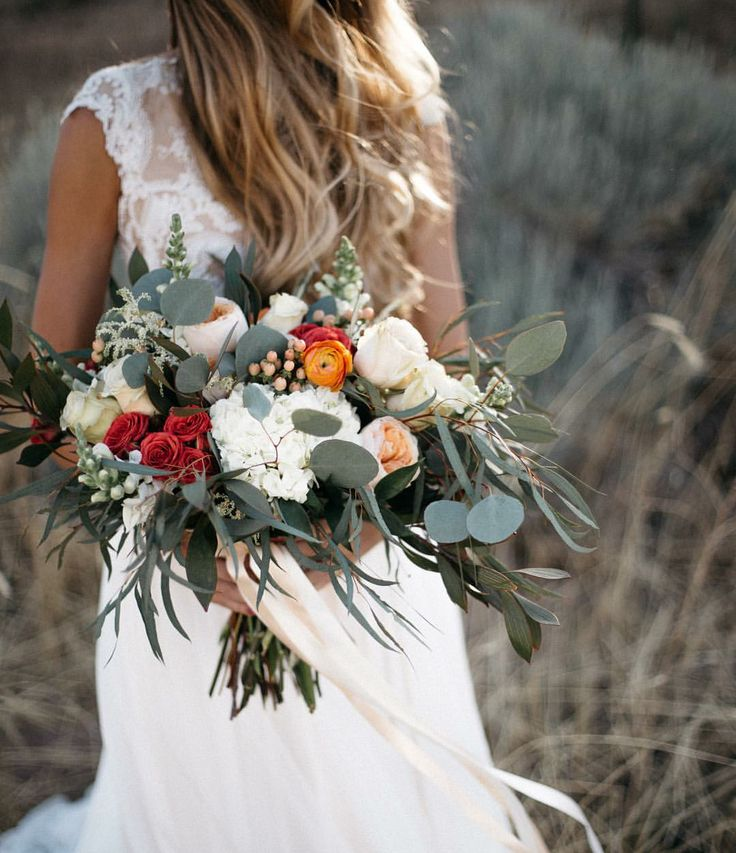 596 best Wedding dresses images on Pinterest | Wedding dress ...