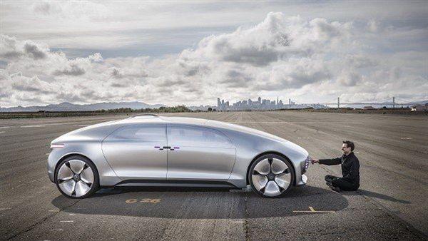 سيارات المستقبل وتطبيق نظرية القيادة الآلية شركات عالمية تحقق الحلم سوق بكر Bmw Car Bmw Car
