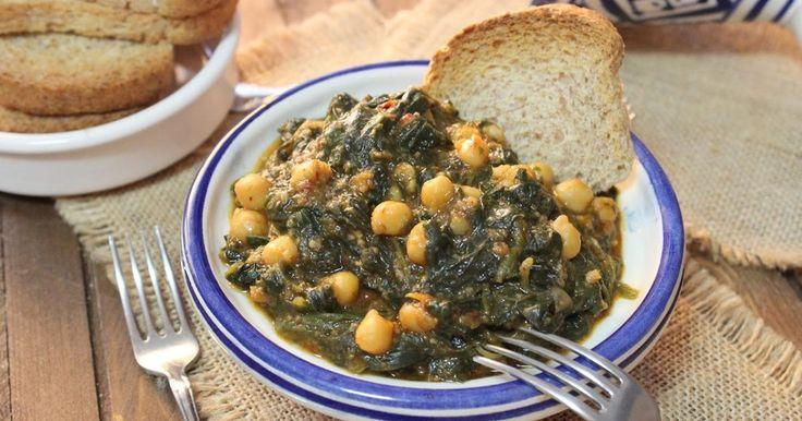 Un plato de espinacas tradicional de la zona andaluza muy rico y sabroso que puedes ver en mi blog Julia y sus recetas