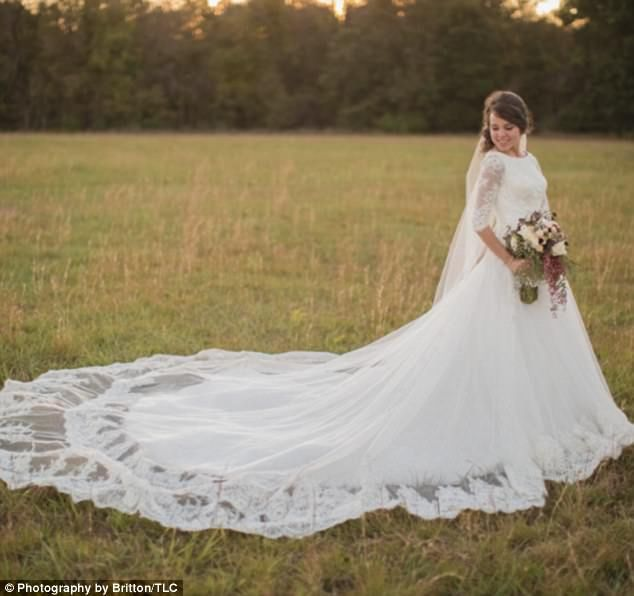 Stunning: Jinger Duggar is seen at her 2016 nuptials to Jeremy Vuolo