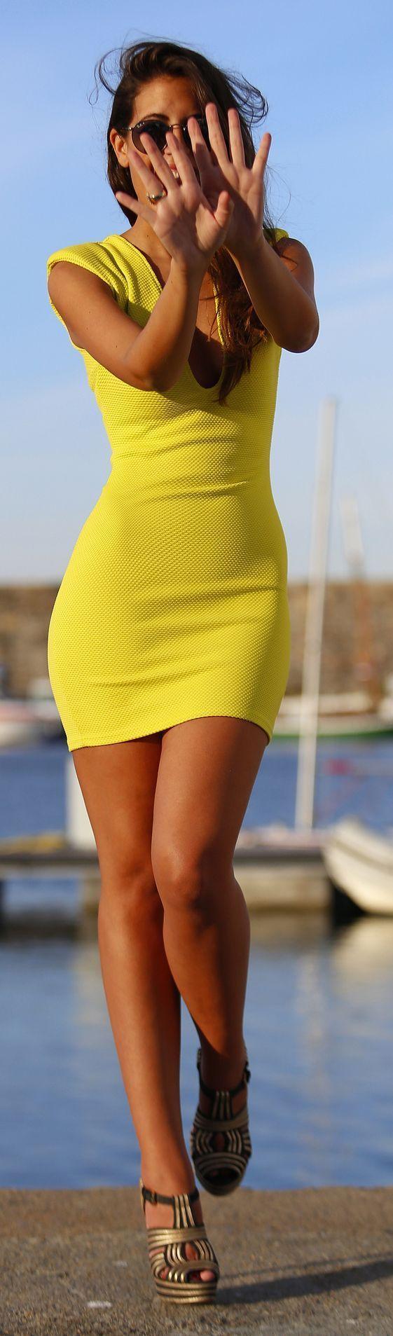 Yellow Body-con Dress Feminine Style - 1sillaparam...