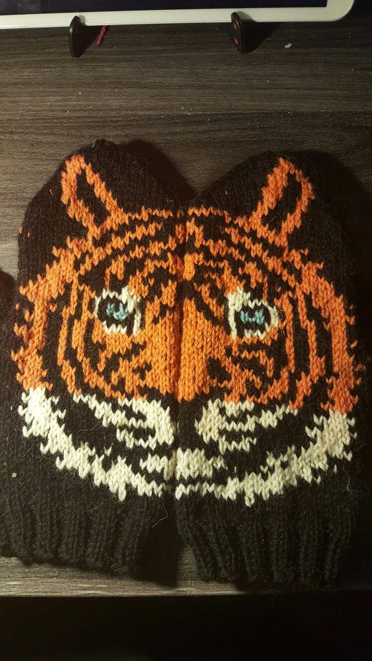 Tygermittens pattern by Lumi Karmitsa knitted by me