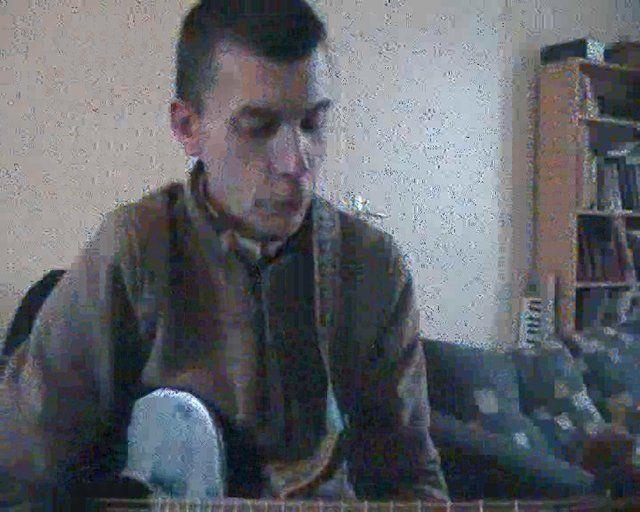 Jouez facilement le morceau foule Sentimentale d'Alain Souchon à la guitare. Cours complet avec vidéo, grille d'accords et relevé du morceau à télécharger sur : http://www.guitare-booster.com/jouez-foule-sentimentale-a-la-guitare/