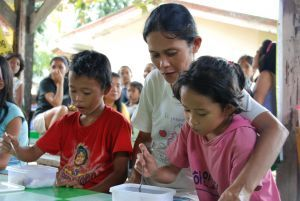 Philippines: A Day In The Life Of Lolita Hernando (27 March 2012, Photo: WFP/Philipp Herzog)