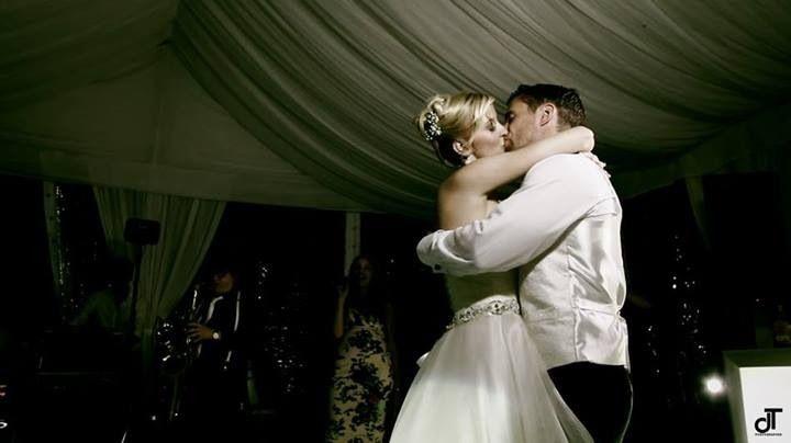 Uno splendido reportage di un matrimonio sul lago di Como (foto Daniela Tanzi) Prendete un appuntamento e vi sveleremo il segreto di come scegliere il vostro abito con il cuore! www.tosettisposa.it #wedding #weddingdress #tosetti #abitidasposo #abitidacerimonia #abiti  #tosettisposa #abitidasposa #nozze #bride #alessandrotosetti #carlopignatelli #domoadami #nicole #pronovias #AlessandraRinaudo #l'abitodeisogni # زواج #брак #فساتين زفاف #Свадебное платье #حفل زفاف في إيطاليا #Свадьба в Италии