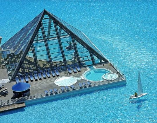 The Biggest Backyard Pool Ever : worlds biggest pools  Worlds largest swimming pool in Egypt