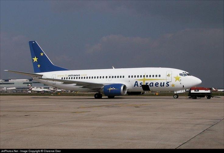 Boeing 737-3S3, Astraeus, G-STRA, cn 24059/1517, first flight 19.2.1988 (Air Europe), Astraeus delivered 25.3.2002, next Adam Air (delivered 15.12.2006). Active, Star Air Cargo (delivered 25.10.2015). Foto: London, United Kingdom, 11.4.2002.