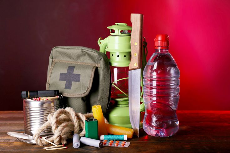 Here is a list of everything you need in your emergency kit to stay safe after an earthquake: